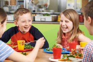 Des produits frais, locaux et sains à l'école communale